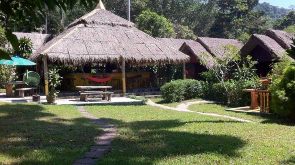 เดอะ แกรนด์ ทรี รีสอร์ท (The Grand Tree Resort)