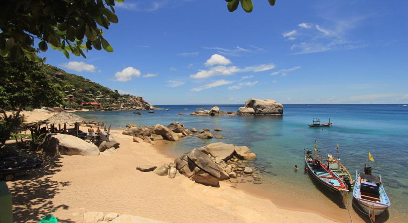 เม้าเท่น รีฟ บีช รีสอร์ท (Mountain Reef Beach Resort)
