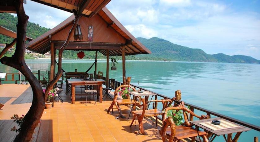 เอล เกรโค่ เลานจ์ บาร์ กรีก เรสเตอรองค์ เกสท์เฮาส์ (El Greco Lounge Bar Greek Restaurant Guesthouse)