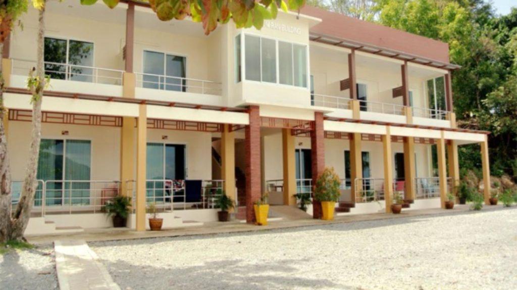 โชคดี รีสอร์ท (Chokdee Resort)