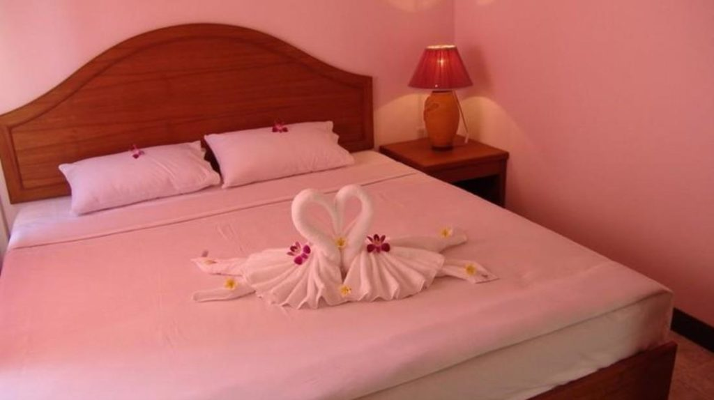 โรงแรมซีบรีซ เกาะช้าง (Seabreeze Hotel Koh Chang)