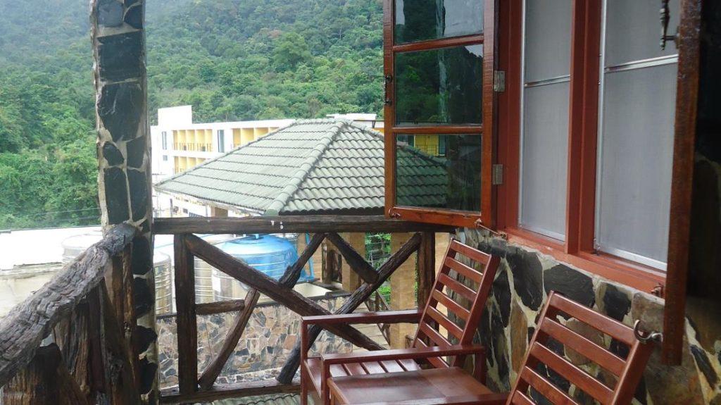 โรงแรมเกาะช้าง ฮัท (Koh Chang Hut Hotel)