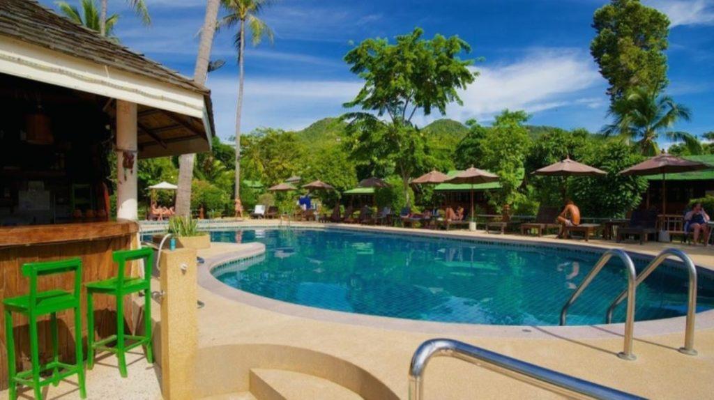 โลตัส รีสอร์ท (Lotus Resort)