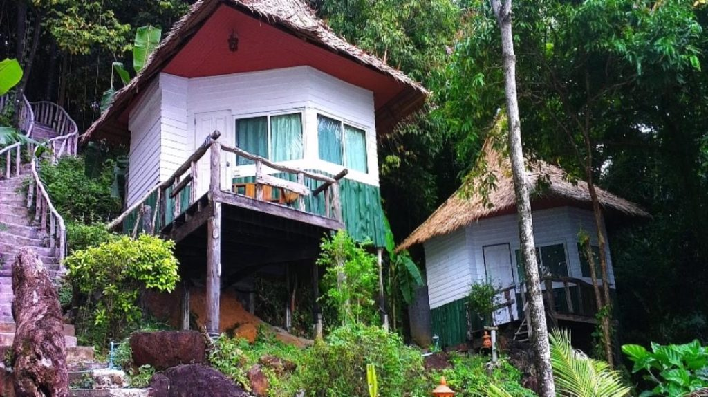 ใบลานเบย์ รีสอร์ท (Bailan Bay Resort)