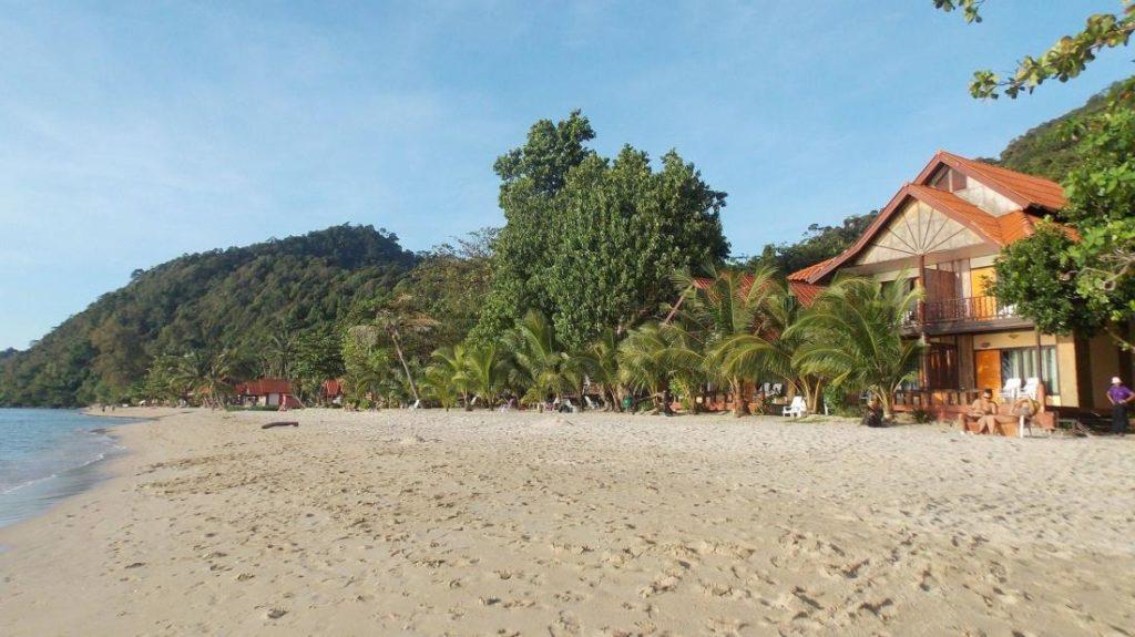 หาดทรายขาว รีสอร์ท (White Sand Beach Resort)2