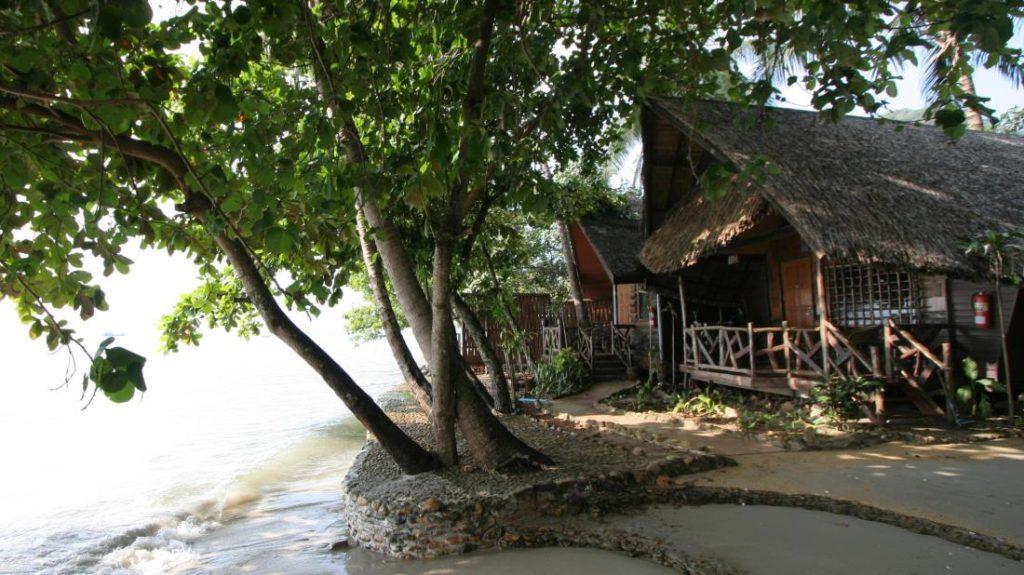 โรงแรมบ้านปู เกาะช้าง (Banpu Koh Chang Hotel)
