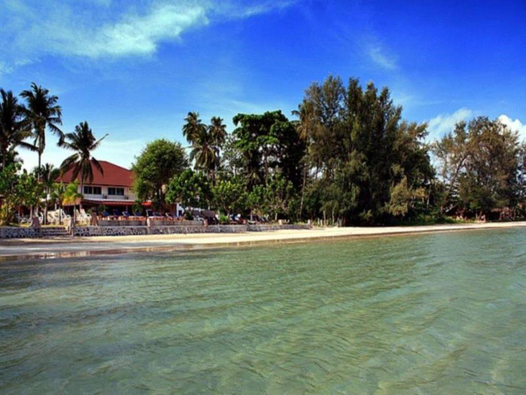 คอกวาง บีช รีสอร์ท (Kaw Kwang Beach Resort)