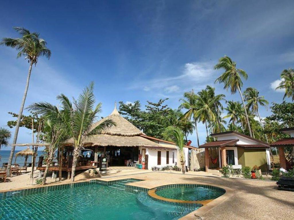 โคโคลันตา รีสอร์ต (Coco Lanta Resort
