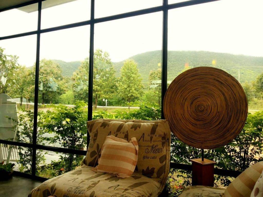เลควิว รีสอร์ต (Lakeview Resort)