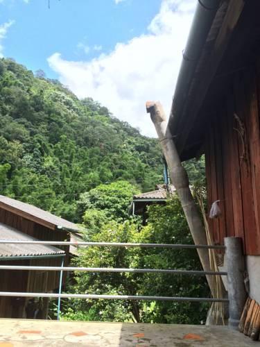 โฮมสเตย์ บ้านแม่กำปอง บ้านอัญชัญ (Ban Maekampong Ban Anchan Homestay)