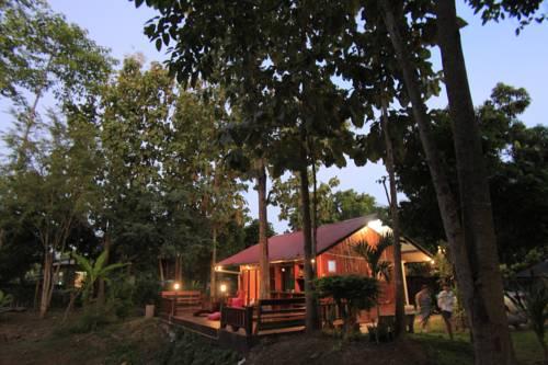 Baan Suan Auy Kham