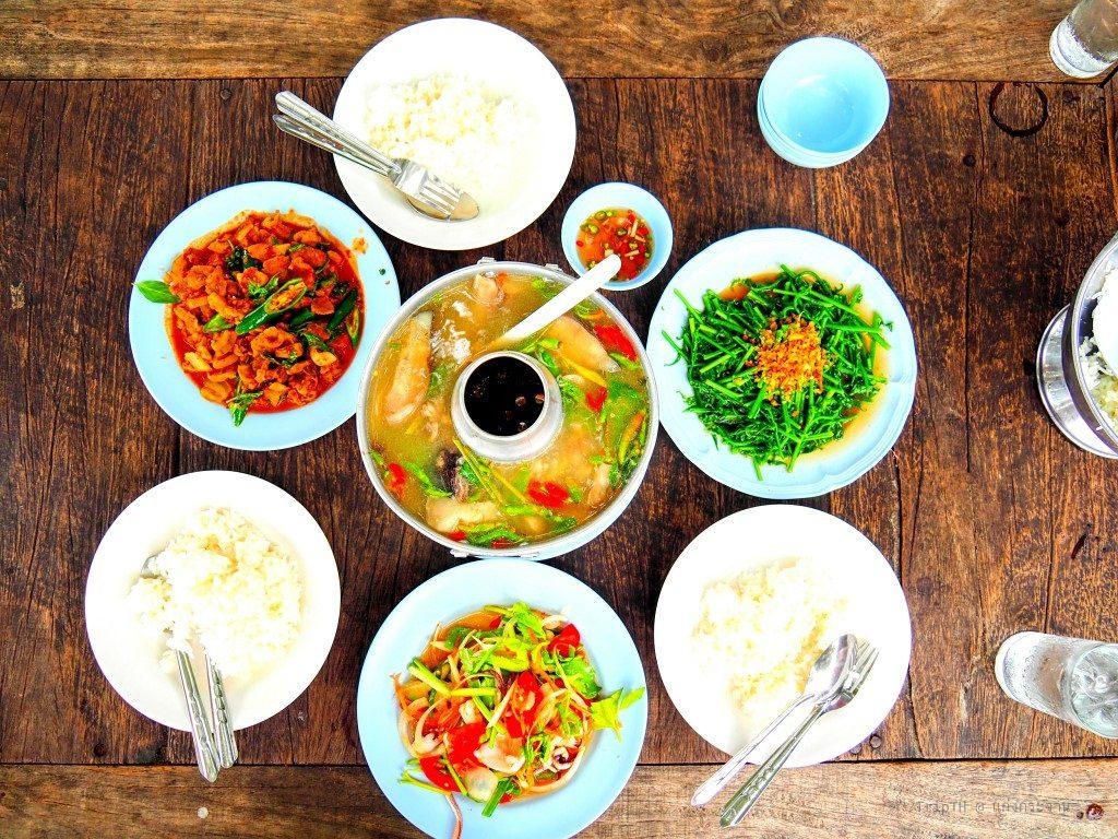 ร้านอาหารริมเขื่อนแก่งกระจาน (5)