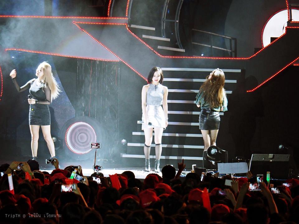 คอนเสิร์ต Skyconnection กับวง Wonder Girl