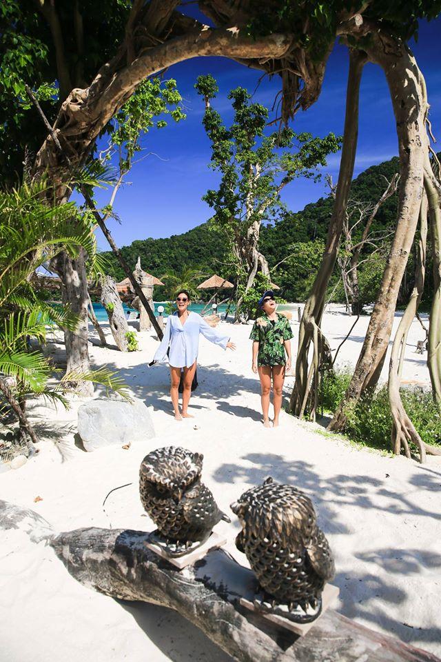 ซุ้มหัวใจ คู่รักต้องไม่พลาดมารอดซุ้มที่นี่นะ ขอบคุณภาพสวยๆจาก Love Andaman จ้า
