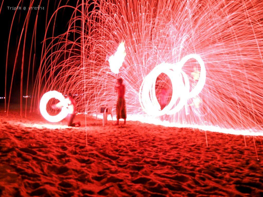 โชว์ควงกระบองไฟ เกาะช้าง (4)